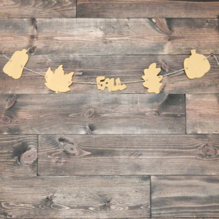 Celebrate Fall with this easy Fall Banner. This project is perfect for a last minute project that says you are not ready to let Fall fade into Winter.