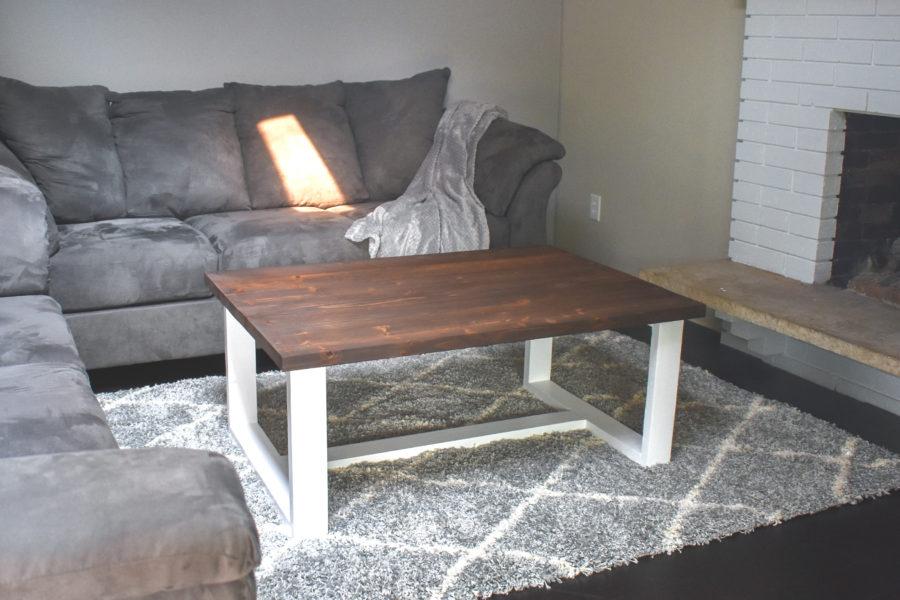 Give your living room some new life with this DIY Modern Farmhouse Coffee Table. Free PDF plans included along with step by step instructions and pictures!